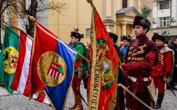 Венгрия открыто готовится к разделу Украины