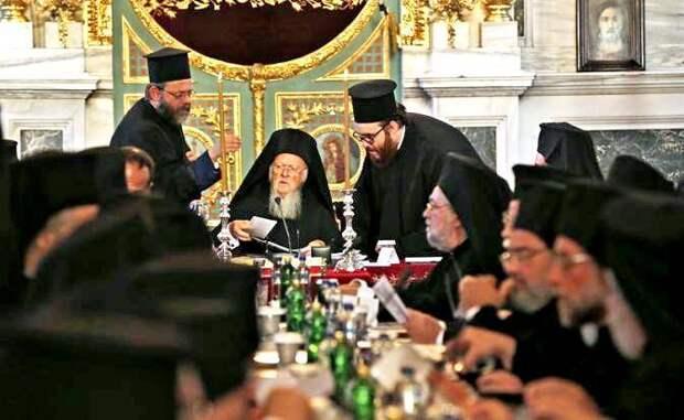 Раскол 2.0: Константинополь поставил крест на русской Церкви