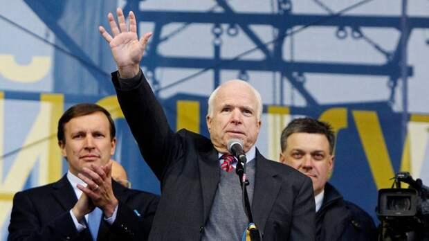 В Киеве появится улица Джона Маккейна