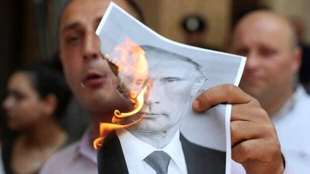 Ультиматум: Россия потребовала от президента Грузии немедленных извинений
