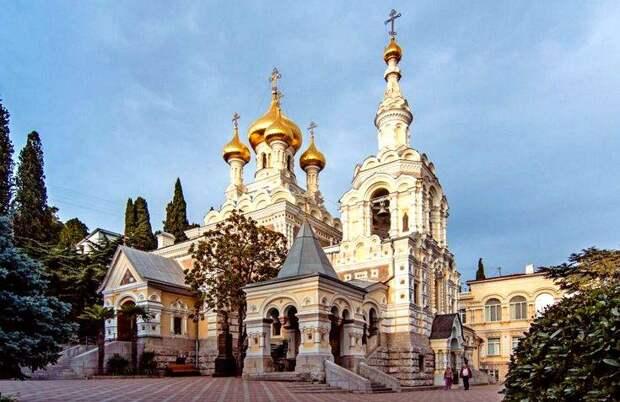 Константинополь начал рейдерский захват русского собора в Париже