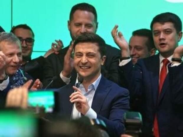 «Матерый» министр МВД Аваков начал войну с «зеленым» Зеленским