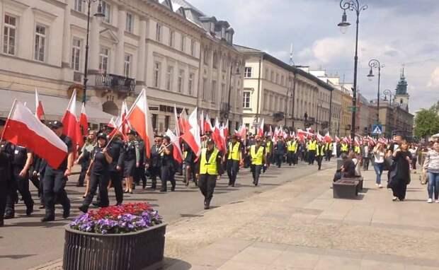 «Не забудем удар в спину!» Поляки собираются на демонстрацию у посольства России