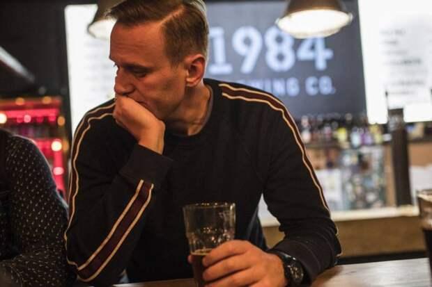 «Болезненный мошенник»: французы о допросе Навального следователями из России