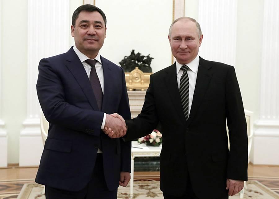 Укреплять союзнические узы: итоги визита президента Киргизии в Москву