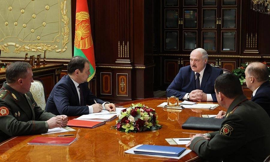 Слияния наших стран не будет. Кроме Лукашенко, кто-то об этом говорит?