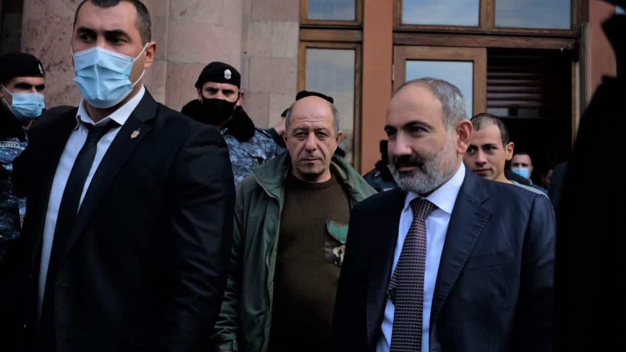 Страхи Пашиняна: два сценария смены власти в Армении