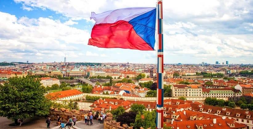 Очередная провокация: официальные лица РФ о высылке российских дипломатов