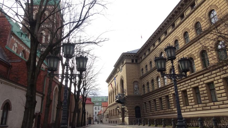 Язык, который нельзя называть: в Латвии решили исключить русский из вузов