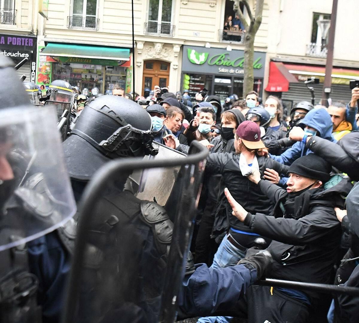 Франции грозит гражданская война