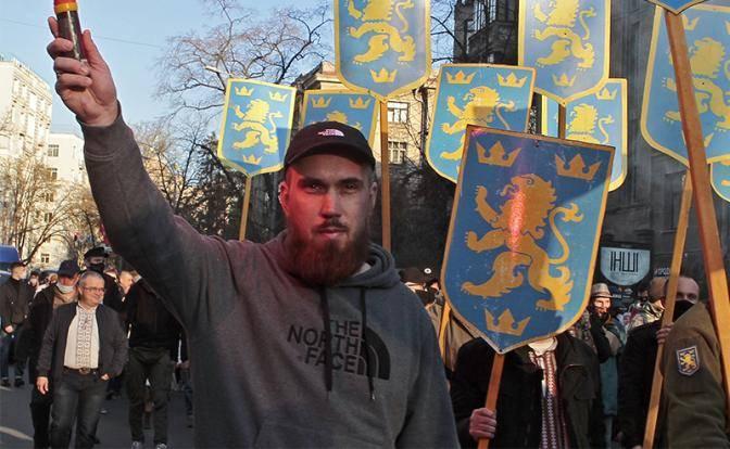 Киев уже не стесняется прославлять Гитлера