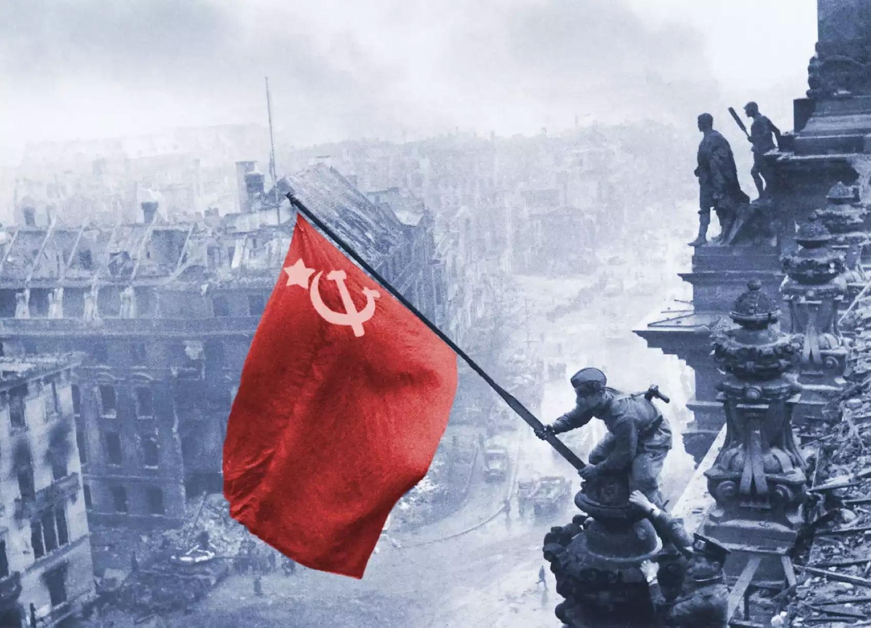 На Украине заводят дела из-за советского флага и фотографий с георгиевской лентой