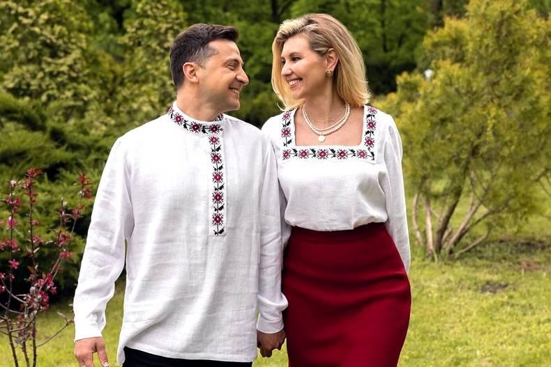 Зеленский в День вышиванки надел русскую рубашку, возмутив украинцев