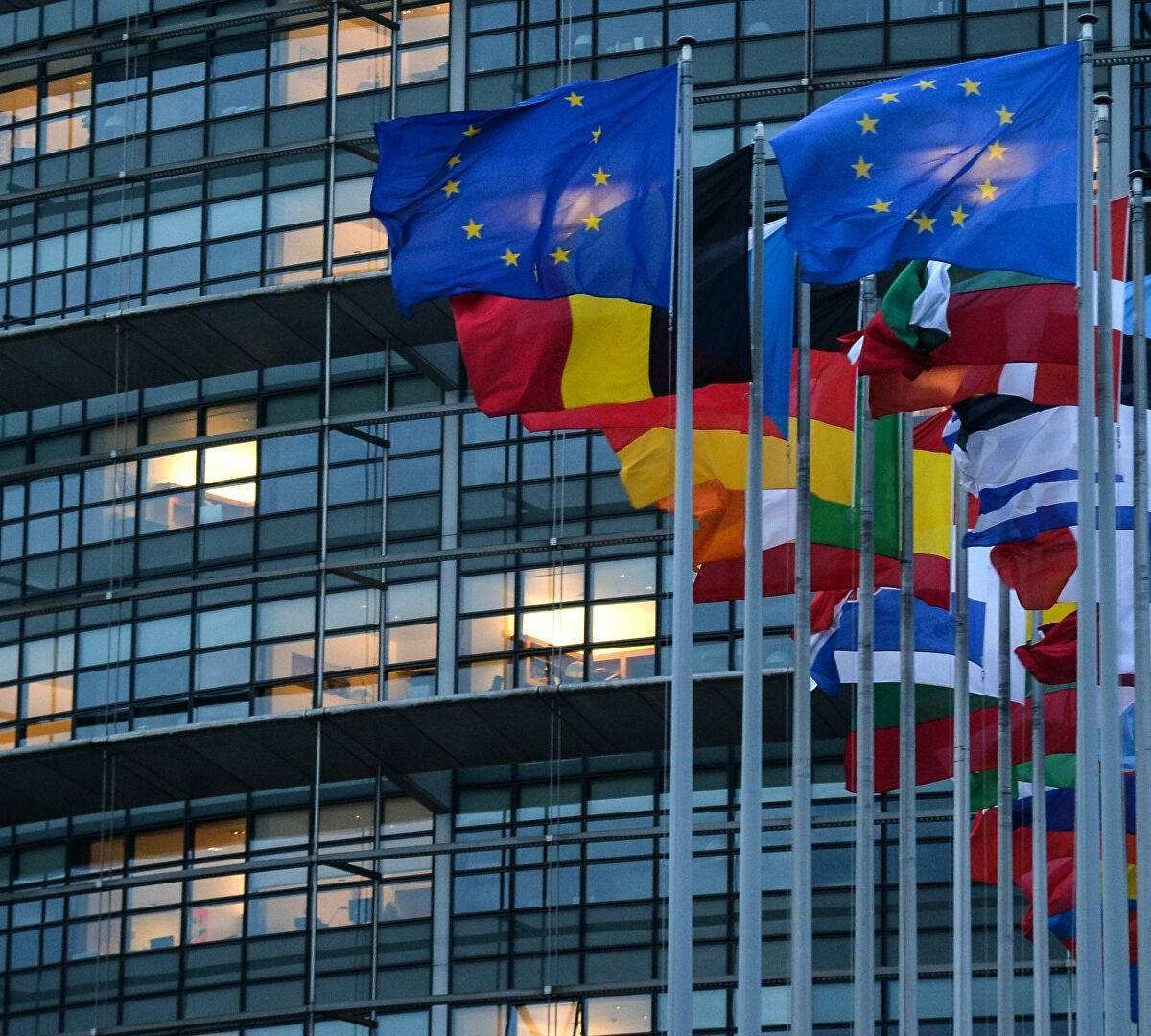Европарламент решил вмешаться во внутренние дела России