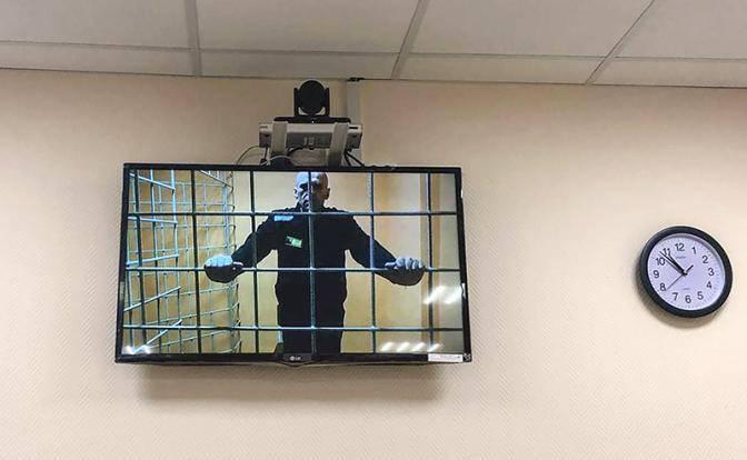 Уголовник Навальный начнет «раскачивать лодку»