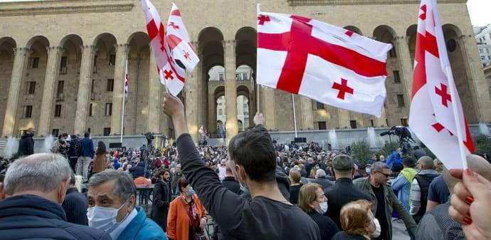 Политический тупик: эксперты о предстоящих выборах в Грузии